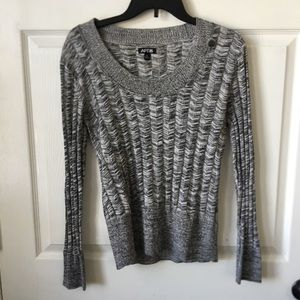 gray knit scoop neck sweater